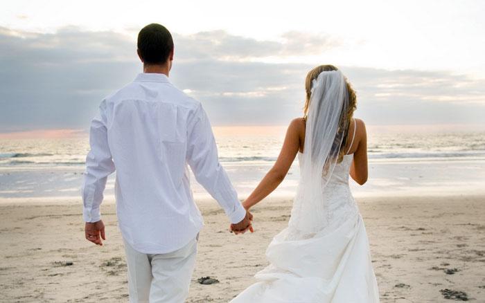 От влюбленности до любви – 5 лет? Какие стадии развития отношений проходит семья
