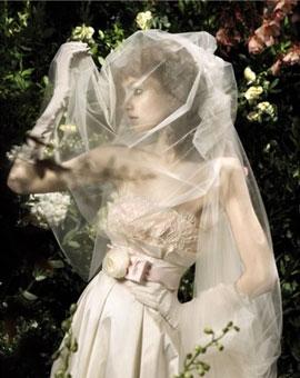 Новая коллекция свадебных платьев от модного дома Blumarine, весна-лето...