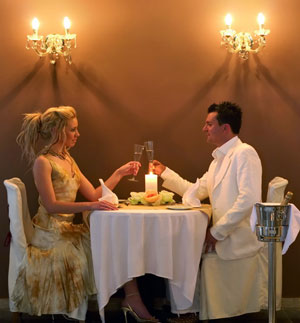 Как толстушкам выйти замуж – сколько есть в присутствии мужчины?