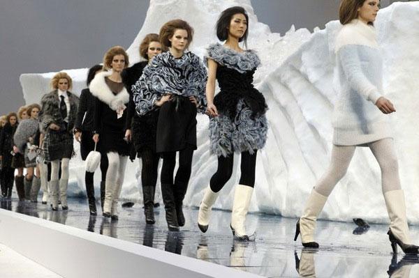 Румка Chanel каучук с платком(коричневая) - www.magic-of-beauty.ru.