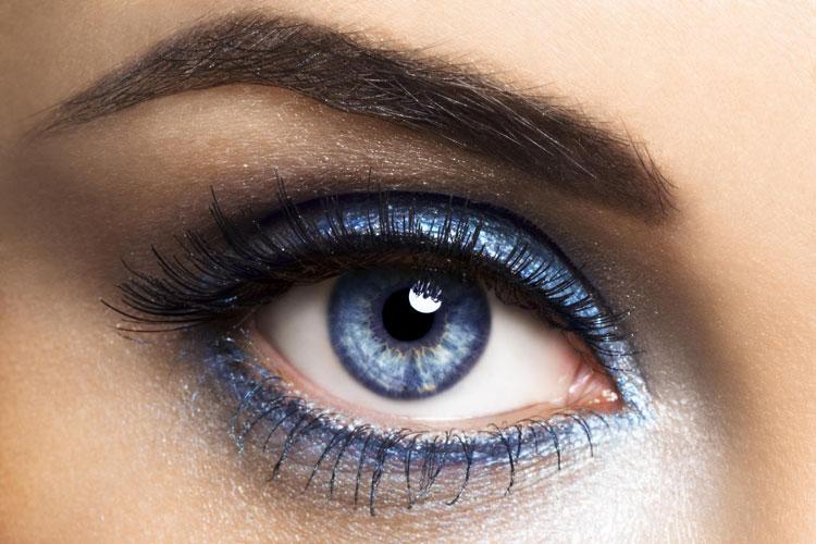 Дневной макияж для голубых глаз: несколько важных советов