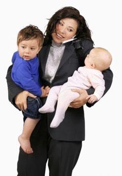 Декретные профессии: кем работают мамы младенцев