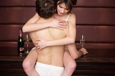 Спонтанный секс с супругом: как вернуть отношениям молодость и новизну?