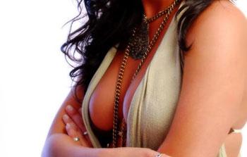 Большая женская грудь не нравится мужчинам, и они от нее избавляются
