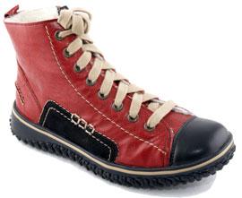 b50eeb685ee4 Еще одна тенденция в женской обуви – это ботинки на шнуровке. Такие ботинки  в отличие от оксфордов более тяготеют к мужскому стилю и иногда даже  смотрятся ...