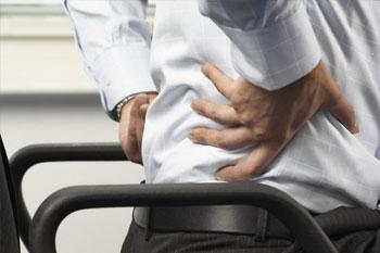 Болит поясница что делать болят ноги