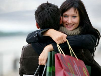 Шопинг вдвоем: Как заставить мужчину пойти в магазин вместе