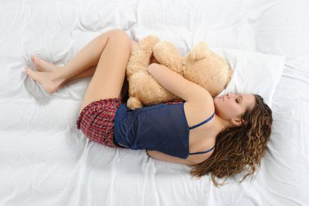 В какой позе нужно спать чтобы похудеть
