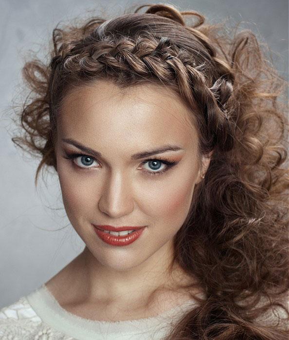 Причёски из волнистых волос женские