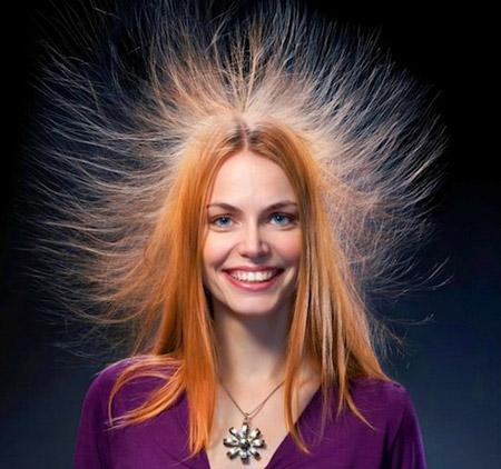 Почему электризуются сильно волосы