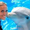 Дельфинотерапия: лечение в обнимку с дельфином