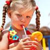 Фруктовый сок может приводить к кариесу и удалению зубов у детей!