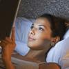 Почему чтение электронных книг перед сном негативно влияет на метаболизм?