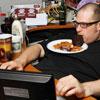 Меняем пищевые привычки и худеем: Как перестать есть за компьютером?