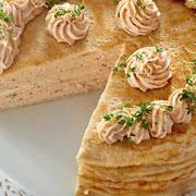 Встречаем Масленицу: Уникальный блинный пирог с рыбной начинкой
