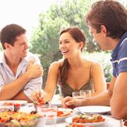Как стать счастливым благодаря социализации и общению с людьми?