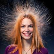 Как справиться с электризацией волос и сделать их послушными?