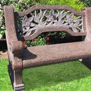 Обустройство дачи: Как сделать садовую скамейку своими руками?