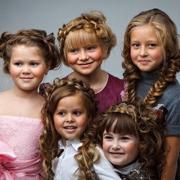 1 сентября! Самые модные прически для девочек для первого дня учёбы.