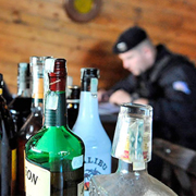 Как определить подделку алкоголя?