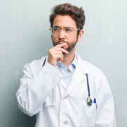 Симптомы болезней, на которые не обращаем внимание. А  они могут быть смертельными.
